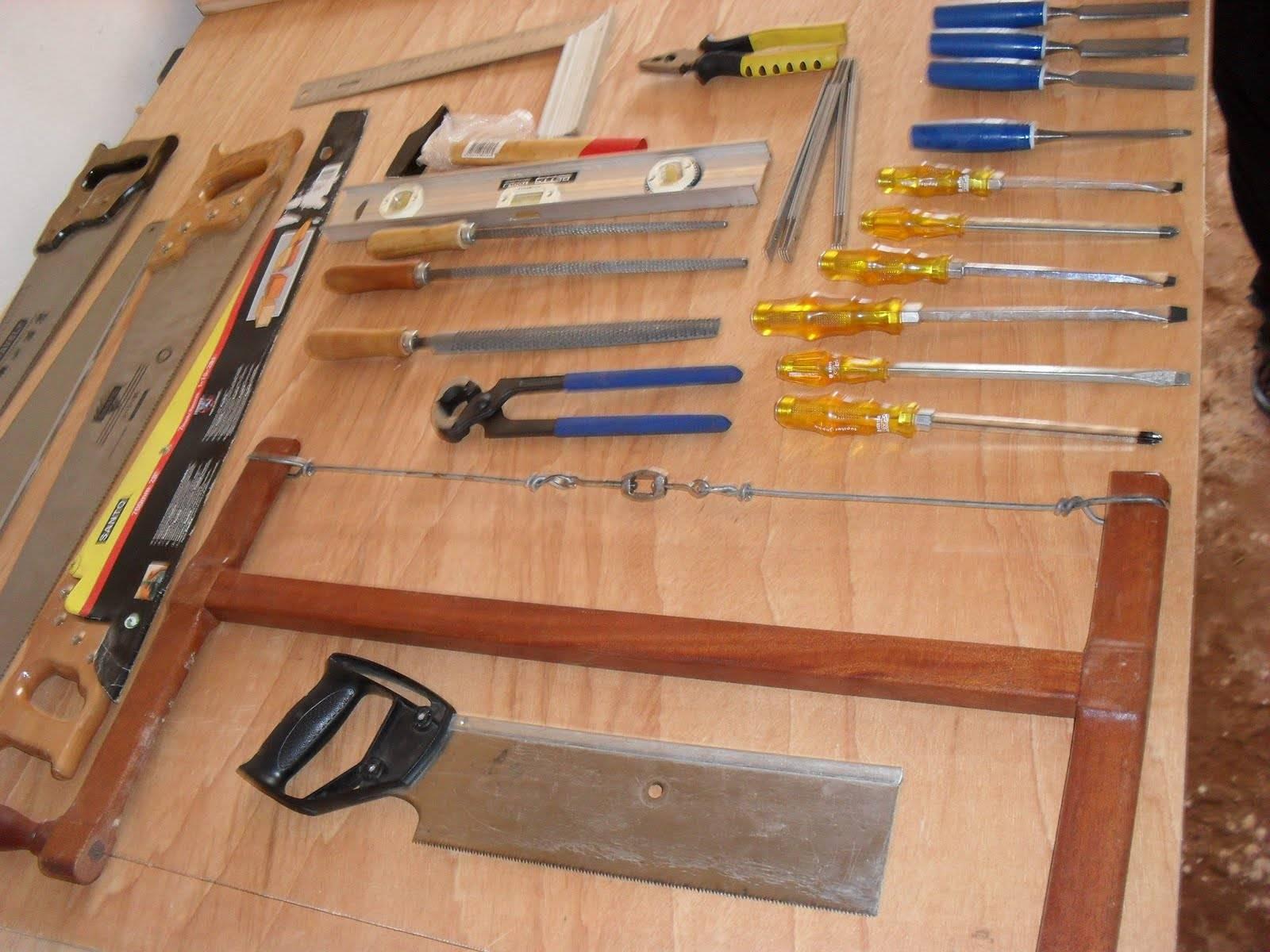 Marceneiro: equipamentos e ferramentas para marcenaria #A89423 1600x1200